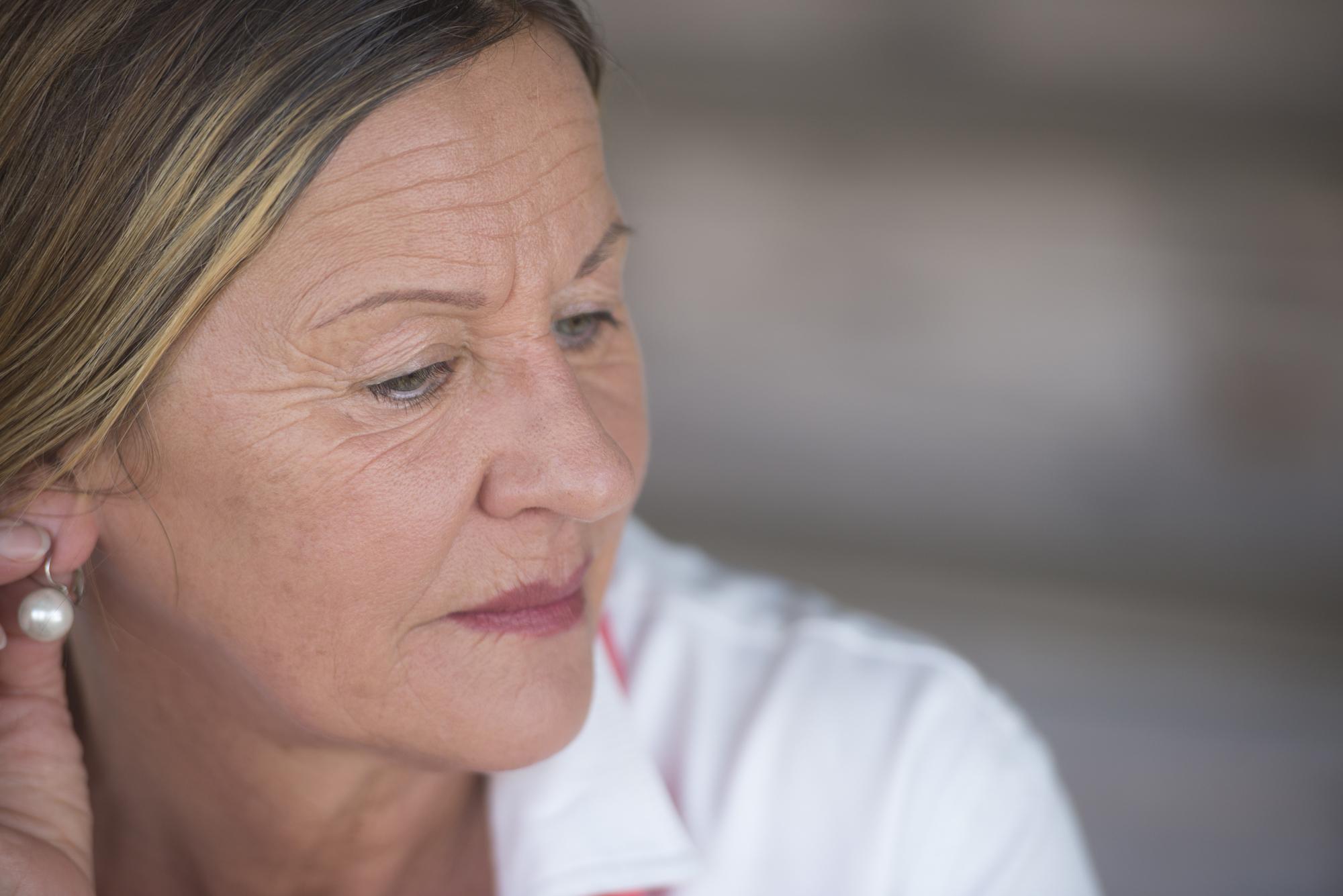 Como diminuir os sintomas da menopausa após o câncer de mama?