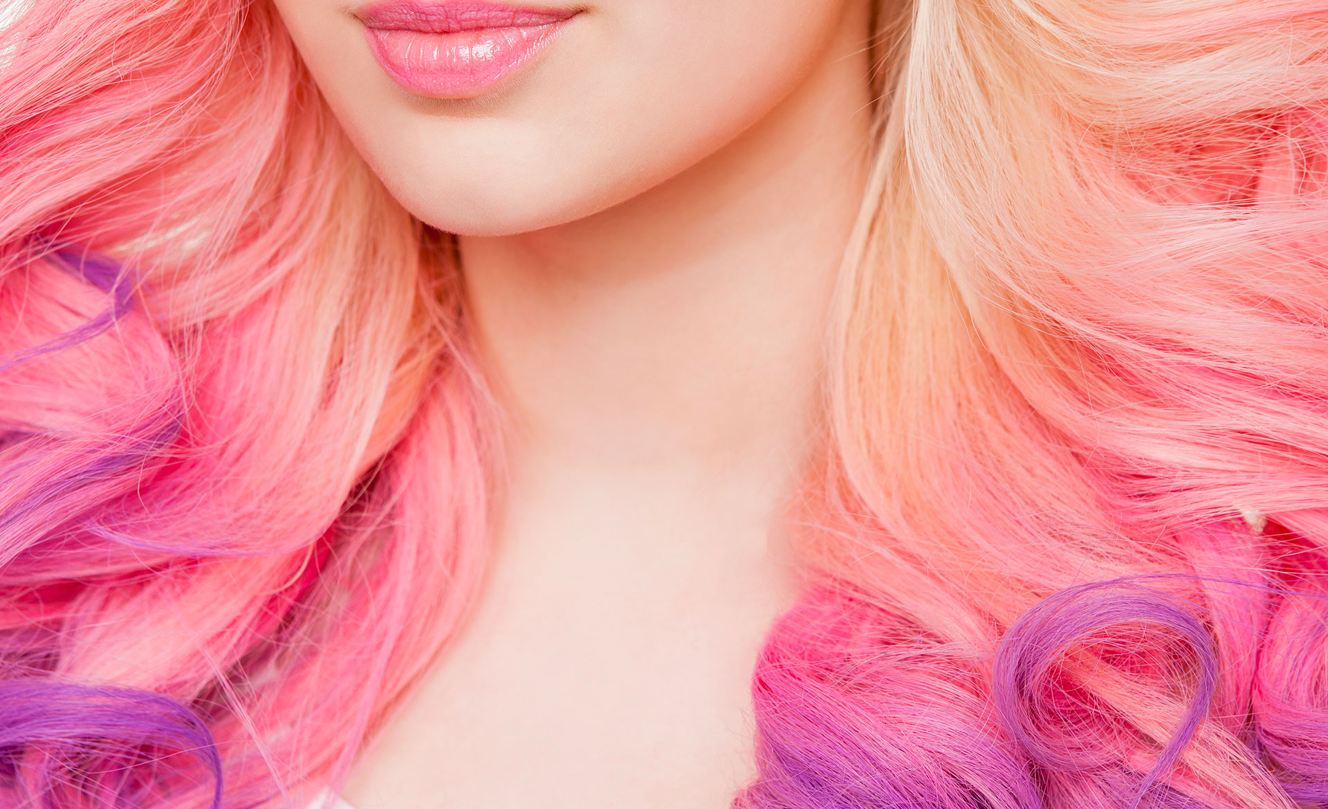 Tintura de cabelo e alisamento de cabelo podem associar-se a câncer de mama